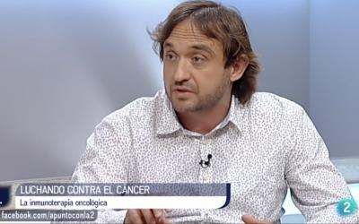 """Julián Pardo, investigador ARAID, del IIS y del IACS, protagonista del programa """"A punto con la 2"""" de TVE."""