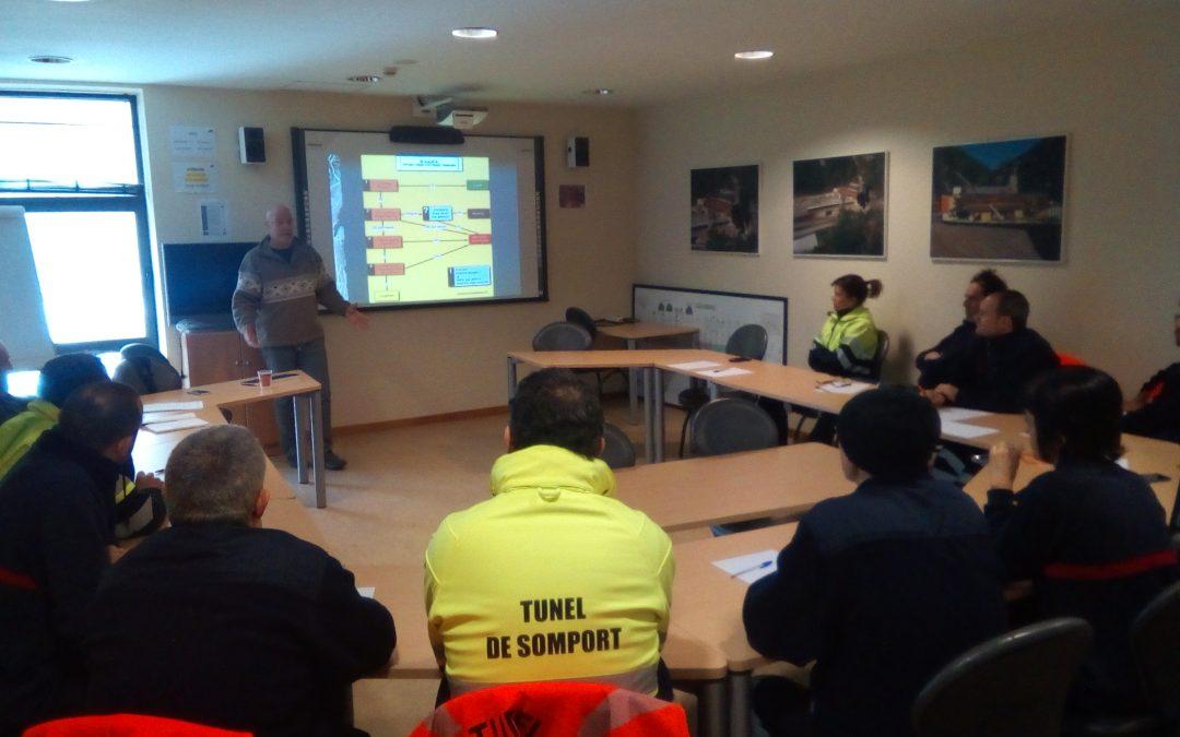 IACS y 061 Aragón forman a técnicos del túnel internacional de Somport en soporte vital básico