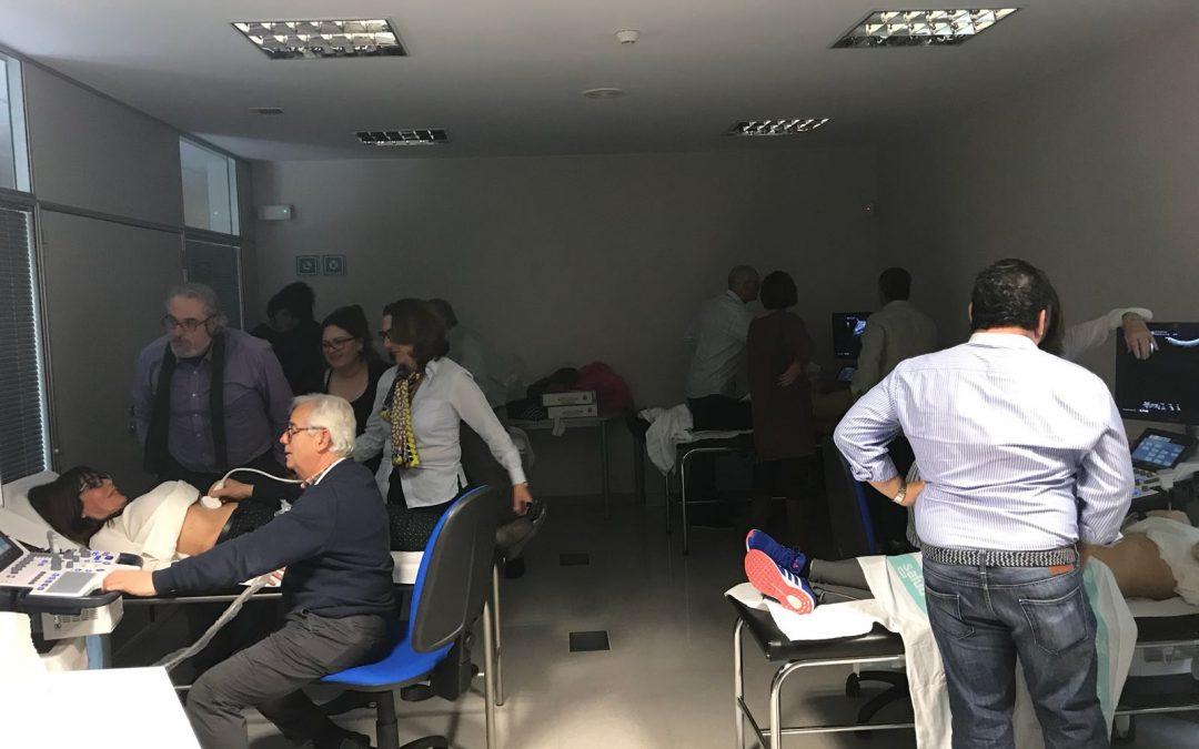Médicos oscenses se forman con el IACS en el uso de ecógrafos en Atención Primaria